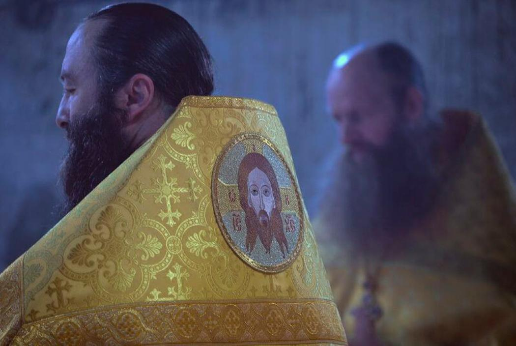Престольный праздник отметил строящийся Петропавловский храм с. Эльхотово