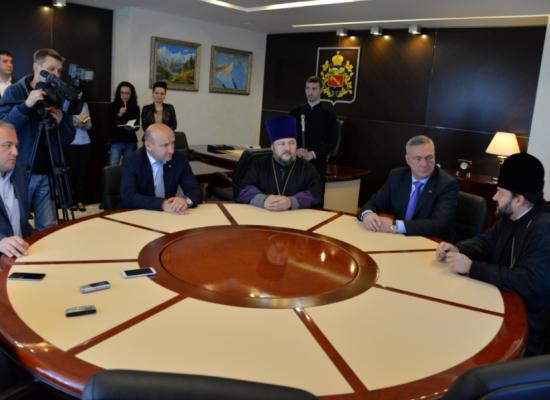 Епископ Леонид обсудил вопросы сотрудничества с мэром г. Владикавказа Борисом Албеговым