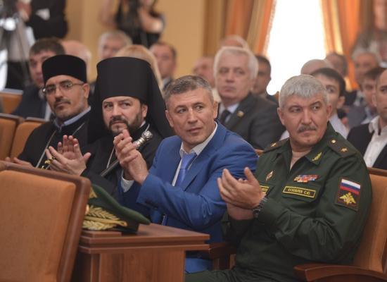Епископ Леонид принял участие в церемонии инаугурации Главы РСО-Алания В.З.Битарова