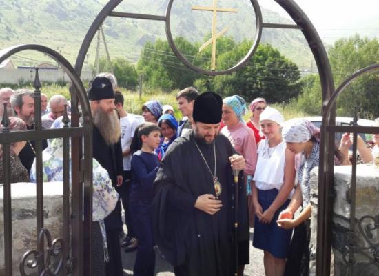 Епископ Леонид и сенатор А.А. Клишас осмотрели горные храмы Осетии