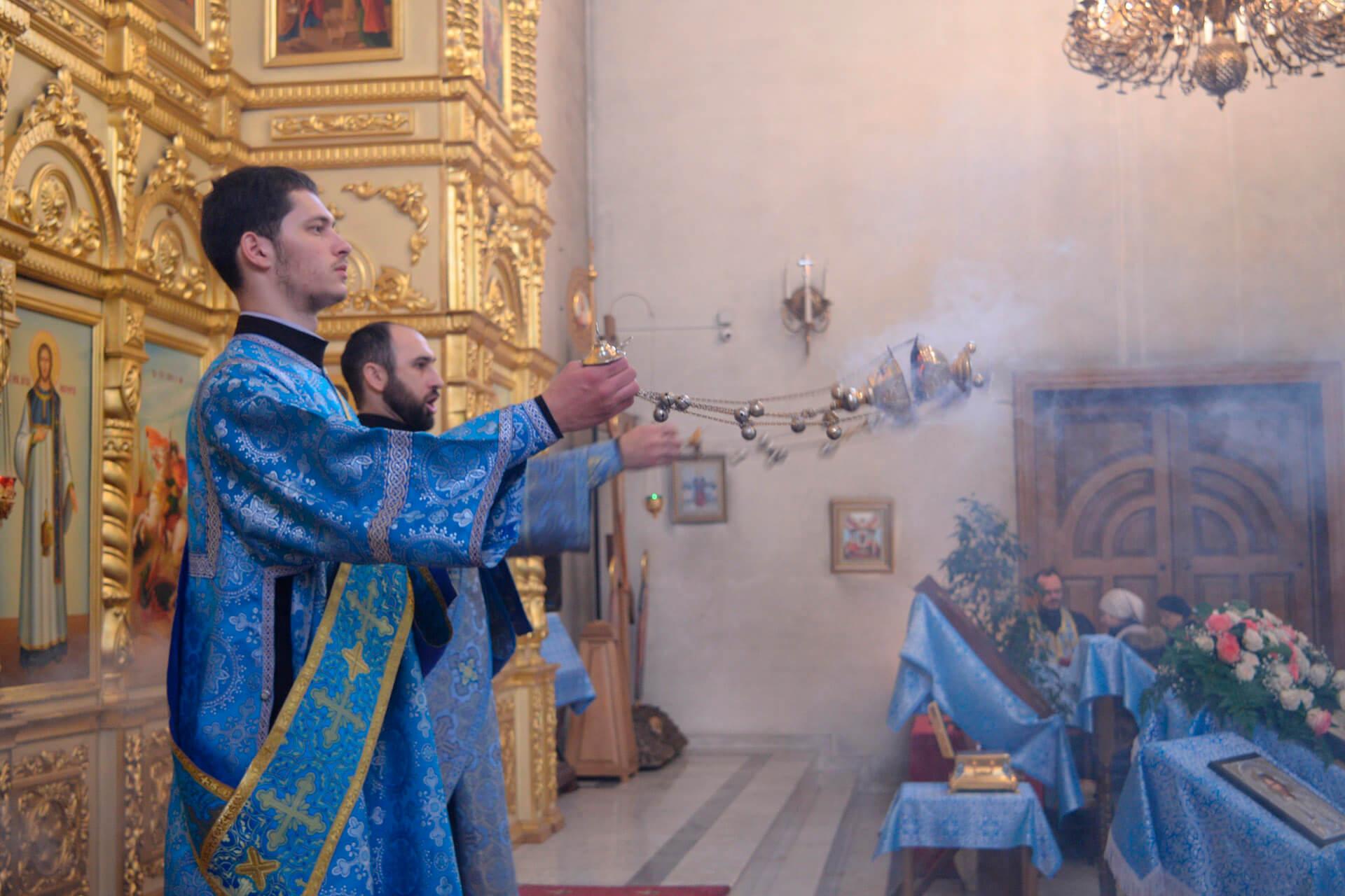 15 марта праздник Photo: Архиерейское богослужение в праздник Сретения 15 февраля