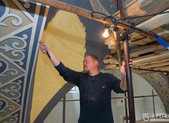 В Аланском Успенском мужском монастыре расписывают храм