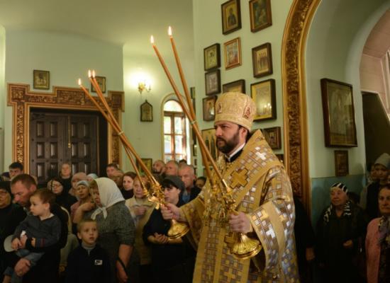В неделю 15-ю по Пятидесятнице епископ Леонид возглавил Божественную литургию в храме пророка Божия Илии