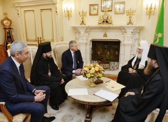 Святейший Патриарх Кирилл встретился с главой Северной Осетии В.З.Битаровым