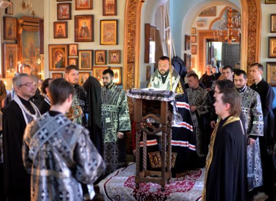 Архиепископ Леонид совершил чтение Великого канона Андрея Критского в храме пророка Божия Илии Владикавказа