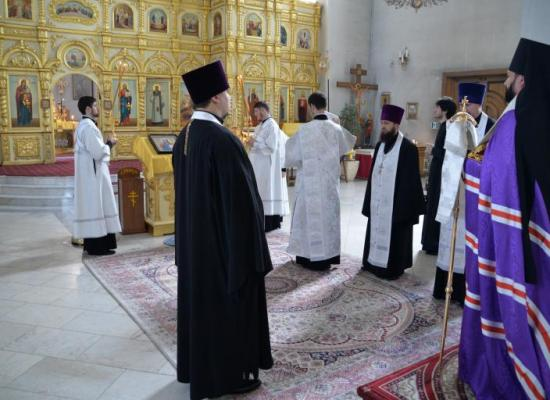 Архиепископ Леонид отслужил панихиду по жертвам Августовской войны 2008 года