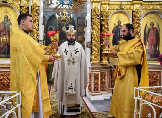 Архиепископ Владикавказский и Аланский Леонид возглавил Божественную литургию в храме Георгия Победоносца г. Ардон