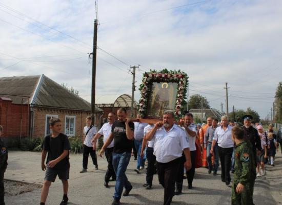 В станице Луковская состоялся традиционный Крестный ход
