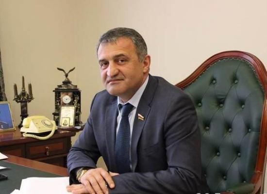 Архиепископ Владикавказский и Аланский Леонид поздравил с Днем рождения Президента Республики Южная Осетия А.И. Бибилова