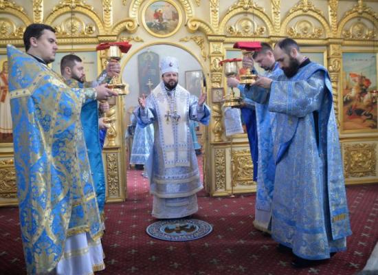 В праздник Сретения Господня, архиепископ Леонид совершил Божественную литургию в Свято-Георгиевском кафедральном соборе