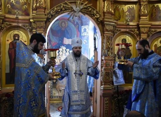 В праздник Благовещения Пресвятой Богородицы архиепископ Леонид возглавил Литургию в храме Рождества Пресвятой Богородицы