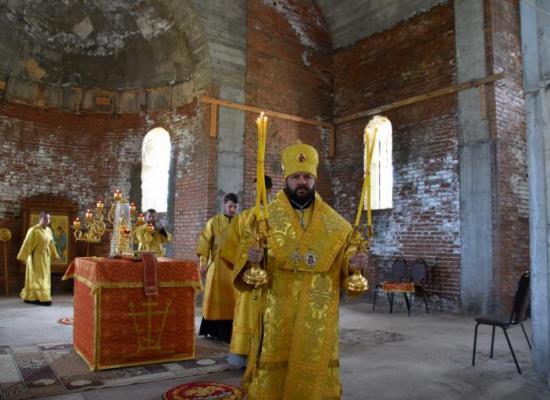 Архиепископ Леонид возглавил престольный праздник в селе Эльхотово