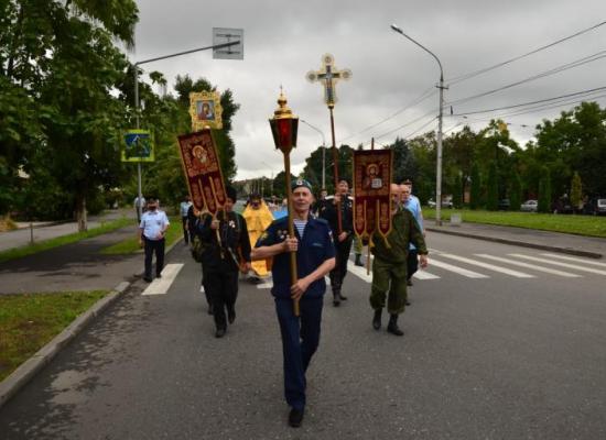 Во Владикавказе состоялся традиционный крестный ход с участием воинов ВДВ