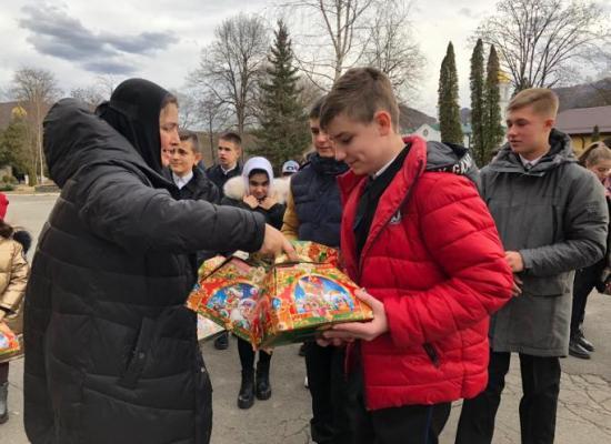 Рождественская сказка: как проходят святки в Аланском Богоявленском женском монастыре