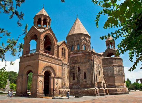 Поздравление Верховному Патриарху и Католикосу всех армян с праздником Амбарцум