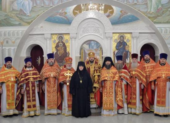 Духовенство и верующие Владикавказской епархии поздравили правящего архиерея с днем тезоименитства