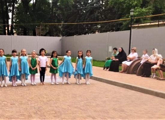 Воспитанники детского сада выступили перед прихожанами Владимирского храма