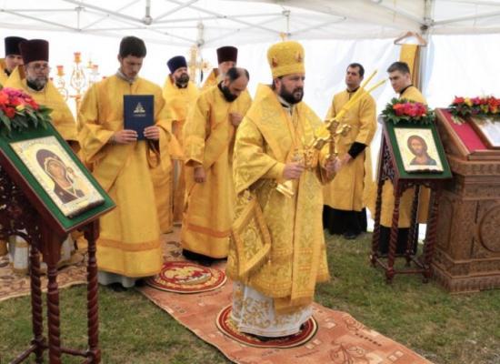 Престольный праздник в храме святых апостолов Петра и Павла села Эльхотово