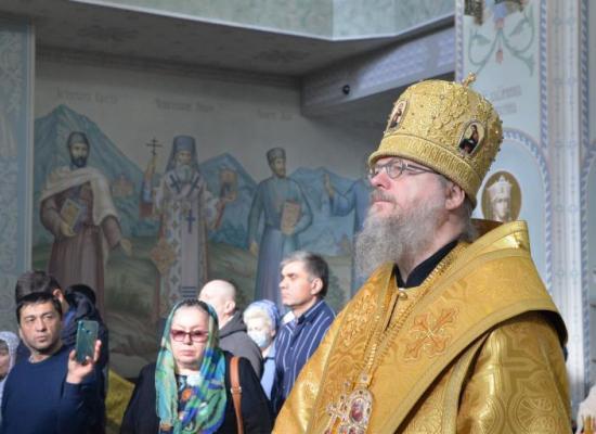 Епископ Герасим совершил первую по прибытии на Владикавказскую кафедру Божественную литургию