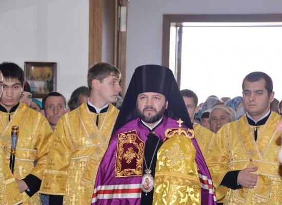 Епископ Леонид совершил первую по прибытии на Аланскую кафедру Божественную литургию