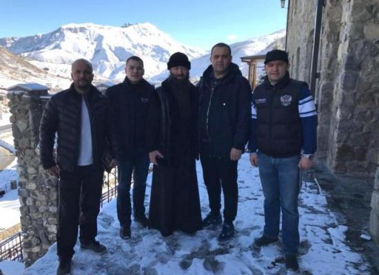 Руководитель Федерации бокса России Умар Кремлев посетил Аланский Свято-Успенский мужской монастырь