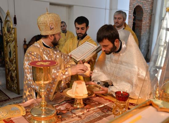 Епископ Леонид совершил первую хиротонию с момента восшествия на Владикавказскую кафедру
