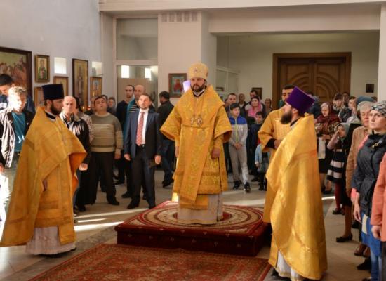 В неделю 14-ю по Пятидесятнице епископ Леонид возглавил Божественную литургию в кафедральном соборе