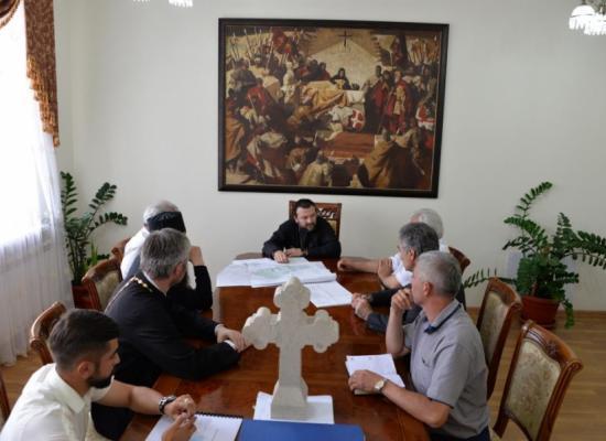 В управлении Владикавказской епархии состоялось рабочее совещание по вопросам строительства собора святого Александра Невского