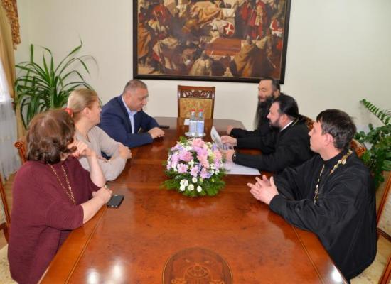 Архиепископ Леонид провел рабочее совещание по строительству храма в с. Октябрьском