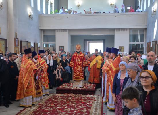 Епископ Леонид возглавил престольный праздник в кафедральном соборе святого Георгия Победоносца