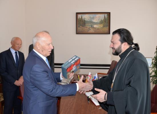 Епископ Леонид посетил Республиканский Дом ветеранов