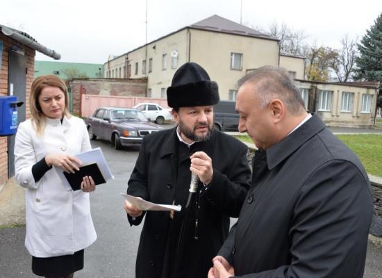 Епископ Леонид обсудил вопросы строительства храмов в Пригородном районе