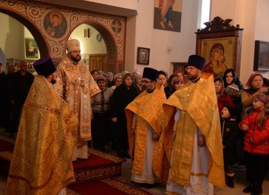 Епископ Леонид возглавил Литургию в храме Рождества Пресвятой Богородицы г. Дигора