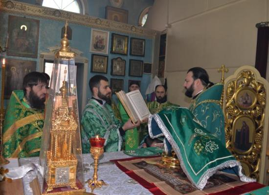 Архиепископ Леонид возглавил малые престольные торжества в Покровском храме Владикавказа