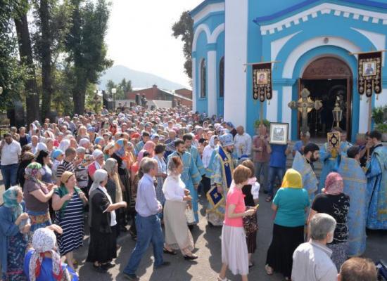 Епископ Леонид возглавил престольный праздник храма на Осетинской горке