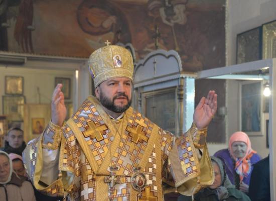 Епископ Леонид совершил Божественную литургию в Александро-Невском храме ст. Архонская