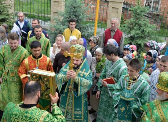 Архиепископ Леонид возглавил престольный праздник храма Святой Троицы в селе Ногир