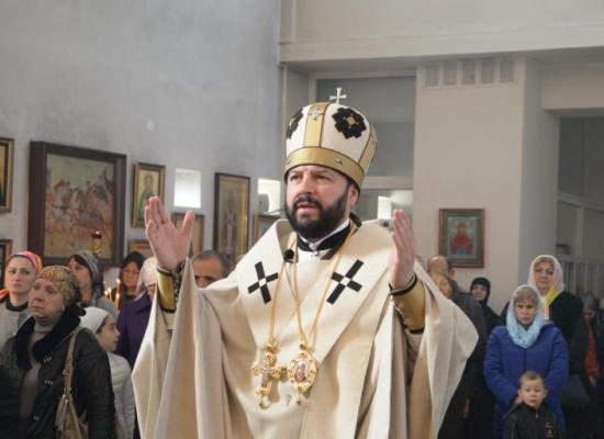 В неделю 24-ю по Пятидесятнице, архиепископ Леонид совершил Божественную литургию в Свято-Георгиевском Кафедральном соборе