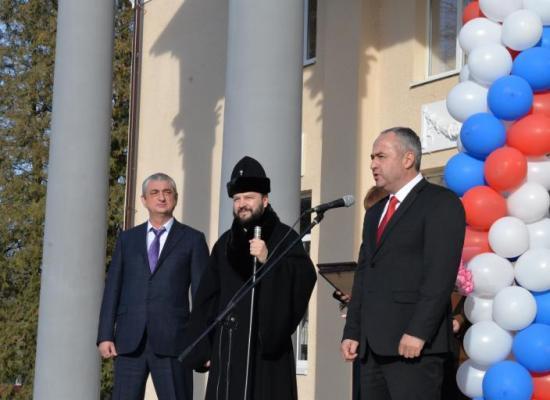 Архиепископ Леонид совершил чин освящения обновленного Дома культуры ст. Николаевской