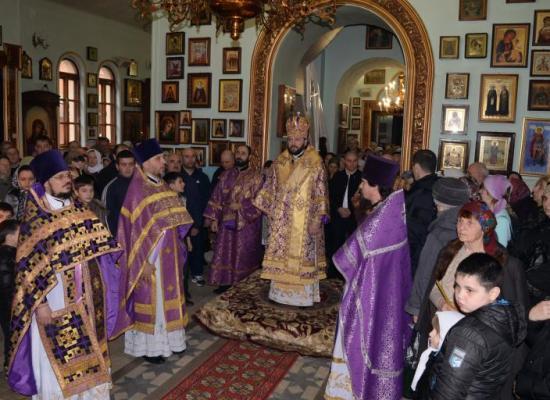 В неделю Крестопоклонную архиепископ Леонид совершил Божественную Литургию в храме пророка Божьего Илии г. Владикавказа