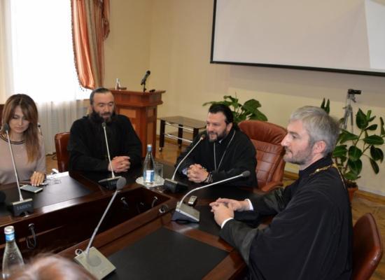 Состоялась очередная пресс-конференция епископа Леонида