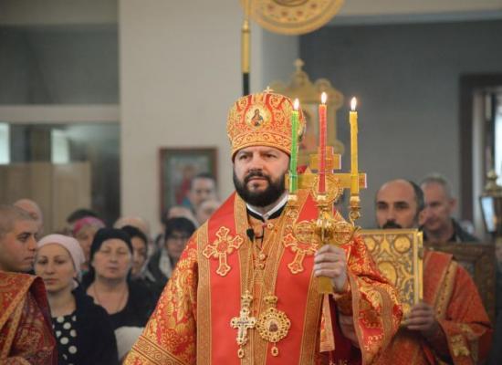 В неделю 6-ю по Пасхе архиепископ Леонид совершил Божественную литургию в Свято-Георгиевском Кафедральном соборе