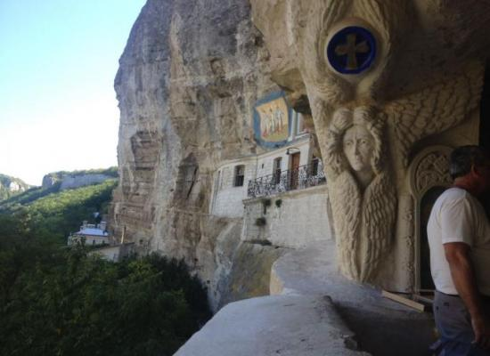 Верующие Осетии посетили святые места Крыма