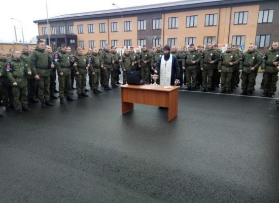 Священник благословил сотрудников военной полиции