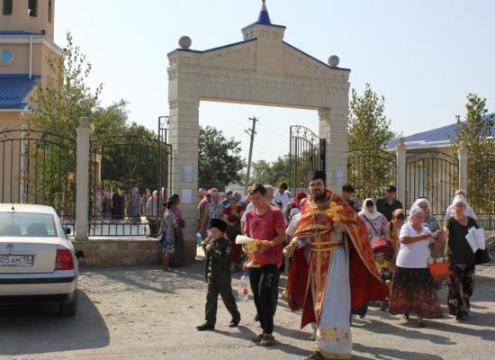 В станице Луковской состоялся традиционный крестный ход
