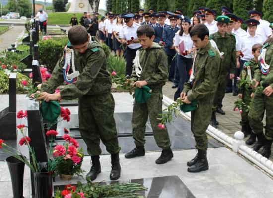 На Аллее Славы во Владикавказе почтили память бойцов спецназа «Булат»