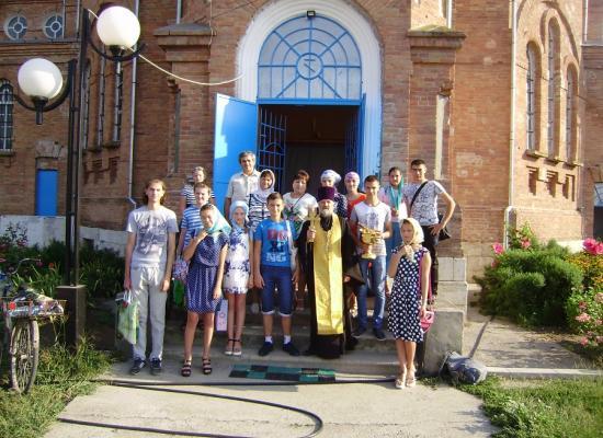 Воспитанники воскресной школы ст. Павлодольской поклонились мощам Феодосия Кавказского