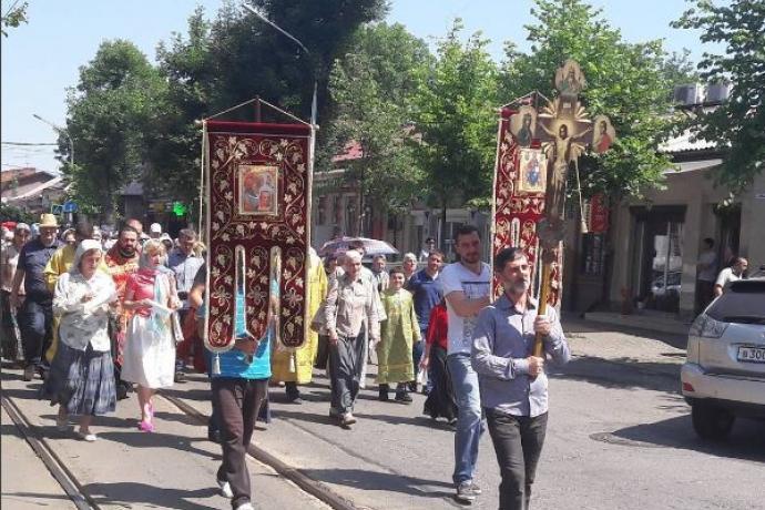 В день памяти святых Царственных страстотерпцев во Владикавказе состоялся Крестный ход