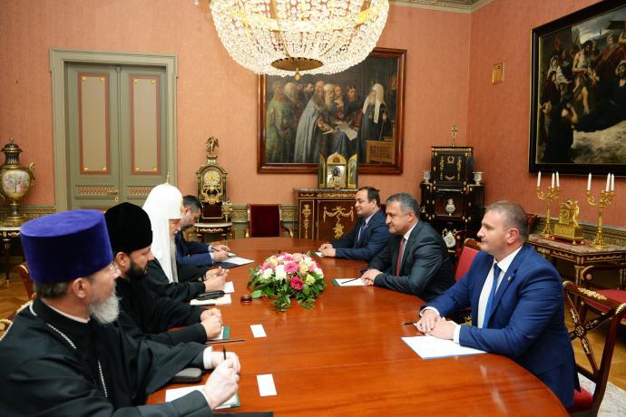 Епископ Владикавказский и Аланский Леонид принял участие во встрече Святейшего Патриарха Кирилла с Президентом Южной Осетии Анатолием Бибиловым