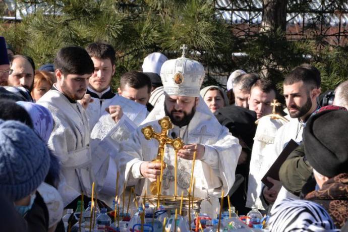 В праздник Крещения Господня архиепископ Леонид совершил Литургию и чин великого освящения воды в Кафедральном соборе Георгия Победоносца